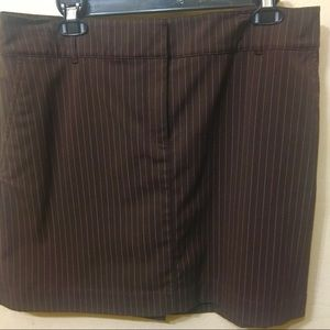 Izod golf skort Chocolate brown w/cream pinstripes